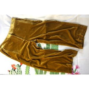 Boden Lyndhurst wise leg crop velvet culottes